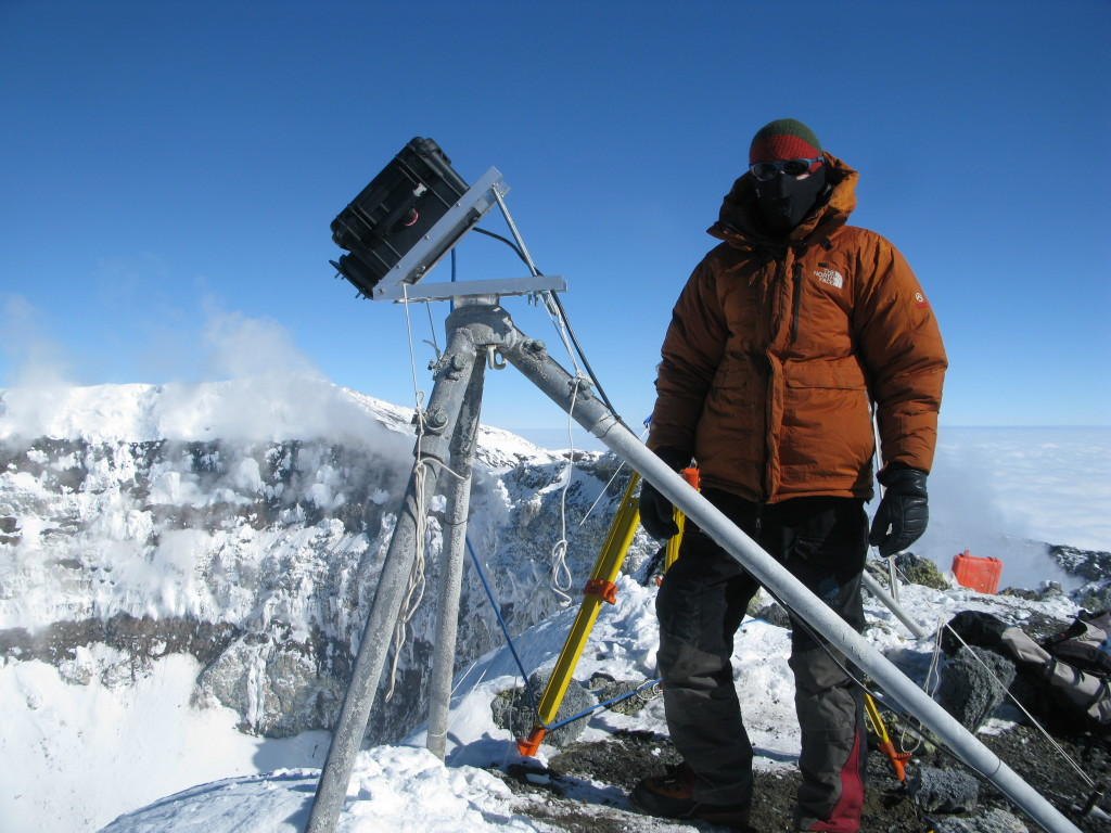 Nial Peters with his thermal camera system at the summit of Erebus.